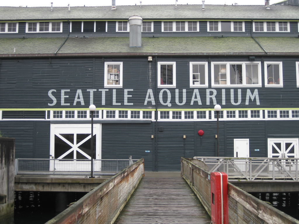 The front sign of the Seattle Aquarium
