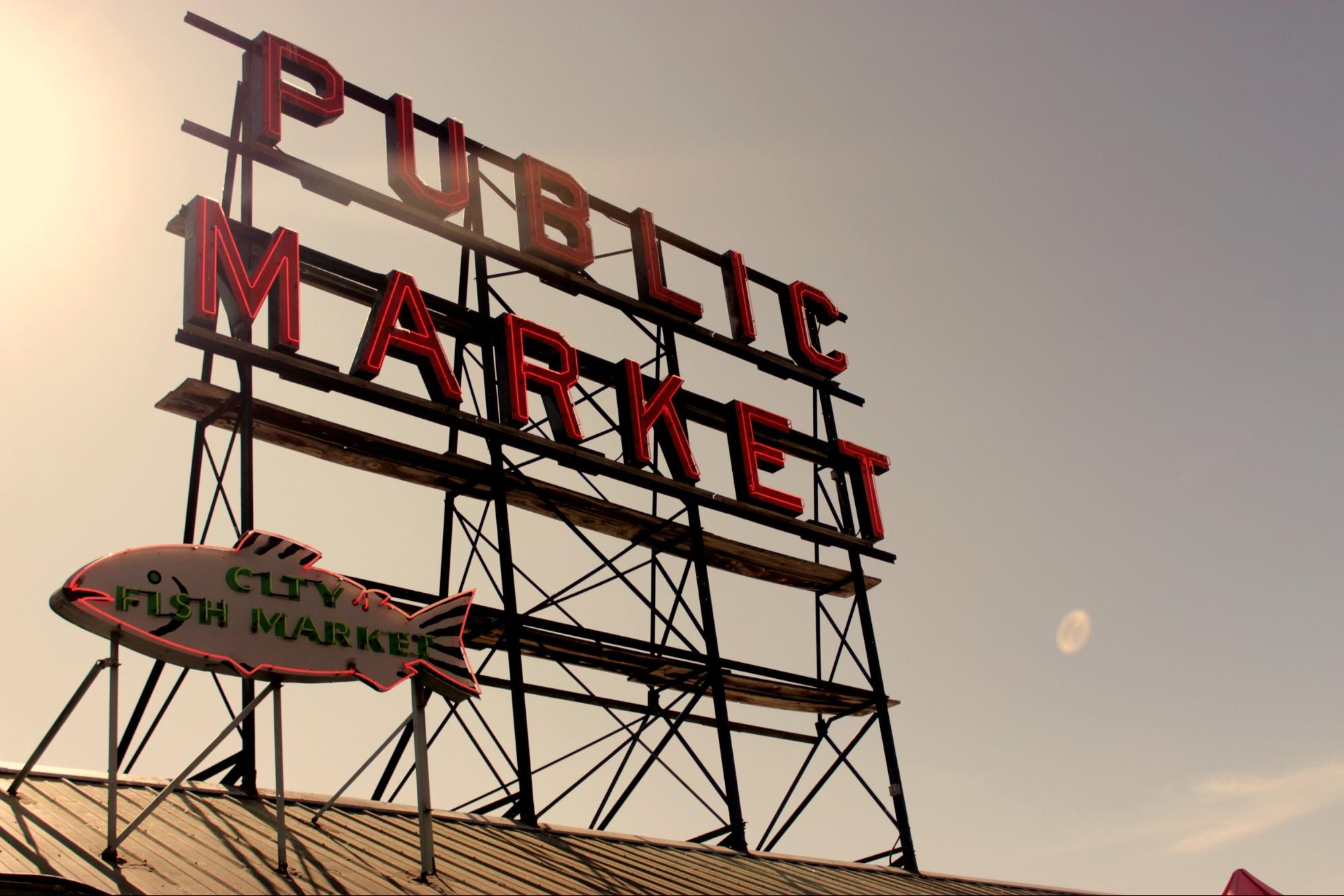 A picture of the Pike Place Market sign in Seattle
